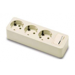 Base multiple con interruptor 3 tomas famatel